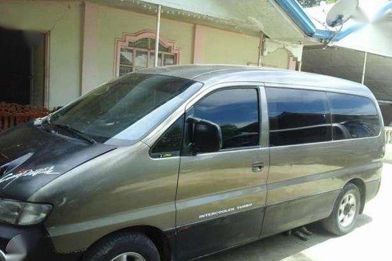Hyundai Starex 2000 MT Gray For Sale
