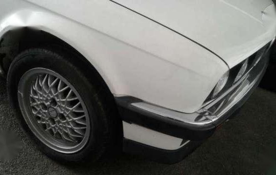1987 BMW E30 320i 4door AT White For Sale