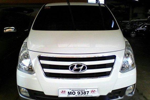 Hyundai Grand Starex 2016 White for sale