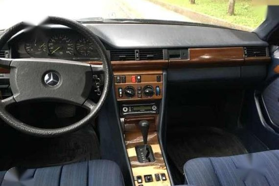 1987 Mercedes Benz W124 300D AT Blue For Sale