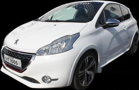 Well-kept Peugeot 208 2015 M/T for sale