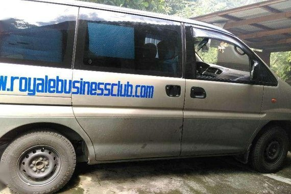 Well-kept Mitsubishi Spacegear 2000 for sale
