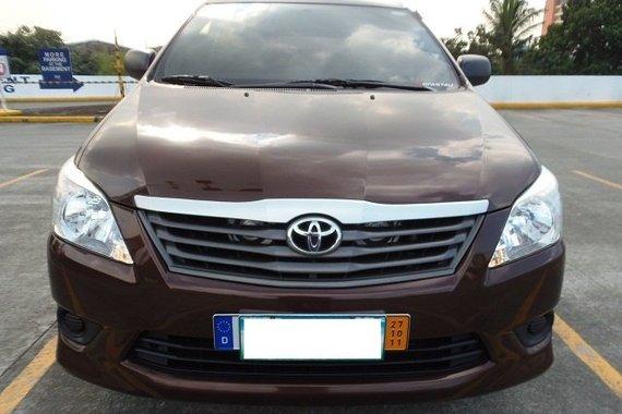 Good as new Toyota Innova 2.5E 2014 for sale