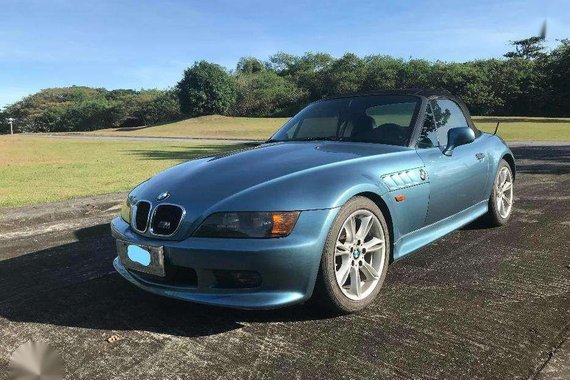 BMW Z3 1998 Well Maintained Blue For Sale