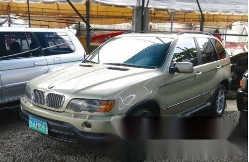 BMW X5 2000 • SUV • Gas • Automatic • 98000 kms