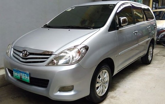 2010 Toyota Innova G Silver For Sale