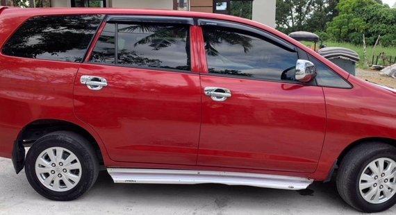Red Toyota Innova 2.5E DSL MT 2014 for sale
