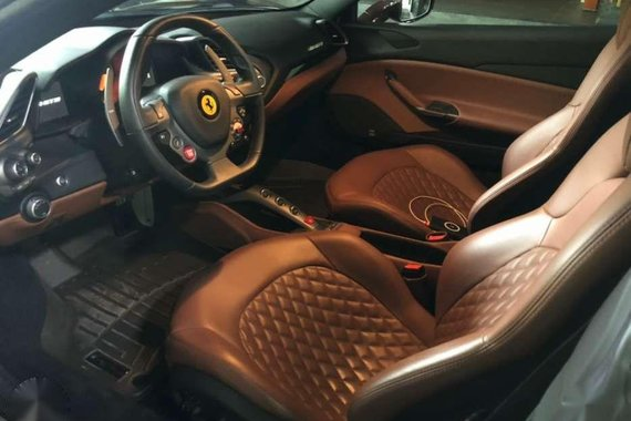 2018 Ferrari 488 GTB with 1016 Carbon Industries carbon kit