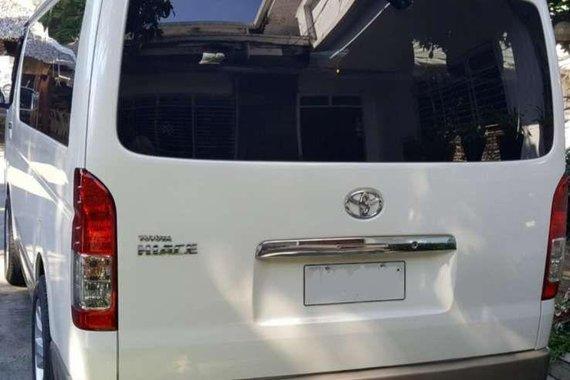 Toyota Hiace Grandia GL AT 2015  FOR SALE