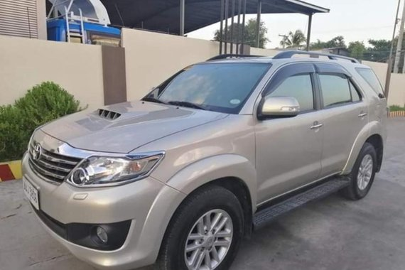 Selling 2nd Hand (Used) 2014 Toyota Fortuner Automatic Diesel in Camiling