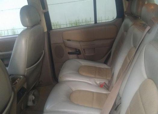 Selling Ford Explorer 2006 Automatic Gasoline in Manila