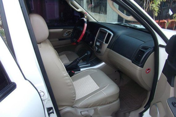 Selling Ford Escape 2012 at 43000 km in Cebu