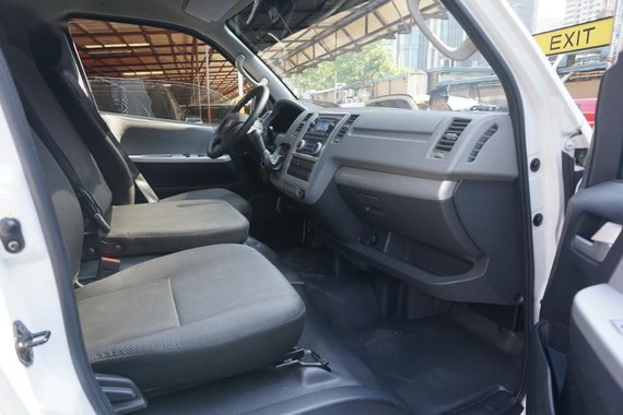 Selling 2nd Hand Foton View Transvan 2018 in Pasig