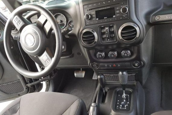 Selling 2nd Hand Jeep Wrangler Unlimited 2016 in Taguig