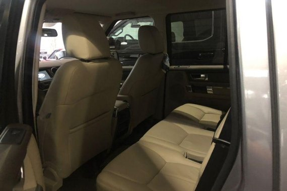 Used Land Rover Discovery 4 2012 at 20000 km for sale