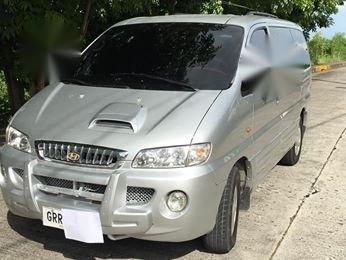 Selling Hyundai Starex 2004 Manual Diesel in Mandaue