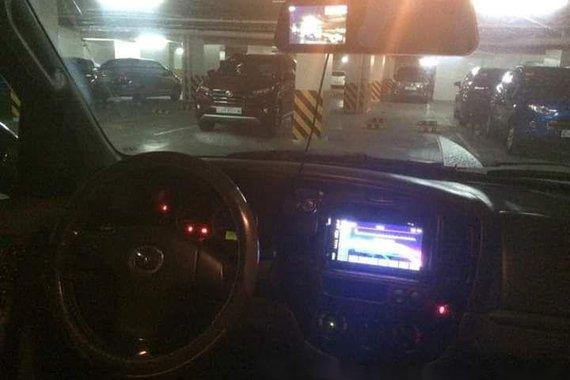 Selling Mazda Tribute 2005 at 108500 km