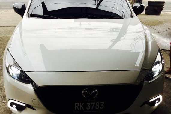 Sell 2nd Hand 2017 Mazda 3 Automatic Gasoline at 10000 km in Quezon City