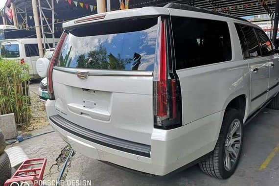 2nd Hand Cadillac Escalade 2018 Automatic Gasoline for sale in Manila