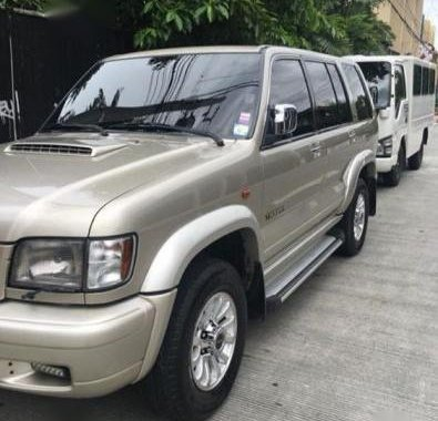 Selling Isuzu Trooper 2003 Automatic Diesel in Quezon City