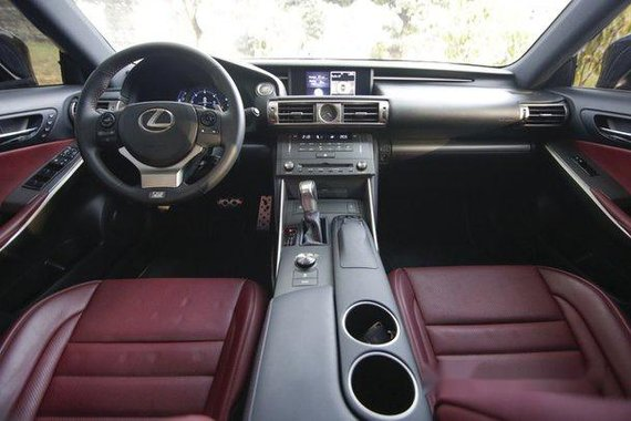 Black Lexus Is 350 2015 for sale in Quezon City