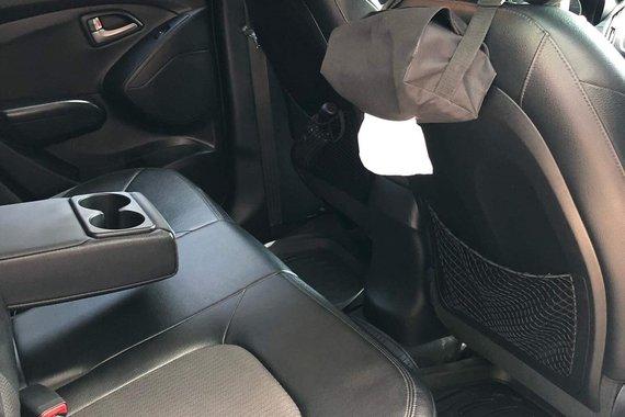 Selling Black Hyundai Tucson 2011 at 62000 km