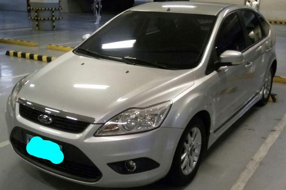 Selling Used Ford Focus 2009 Hatchback at 82000 km