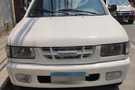 Selling White Isuzu Crosswind 2006 Manual Diesel