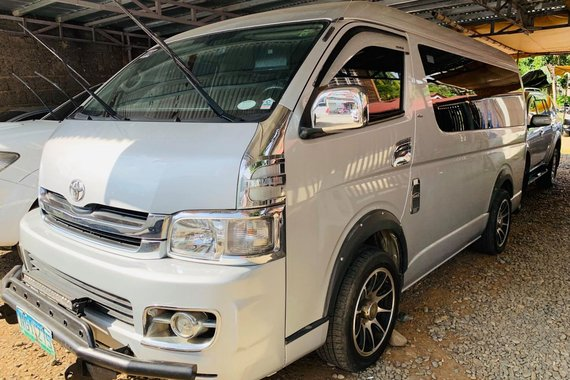 White 2010 Toyota Hiace Manual Diesel for sale