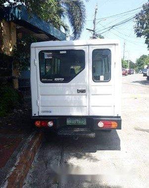 Selling White Hyundai H-100 2011 in Manila