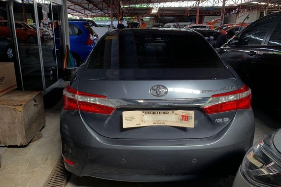 Sell Grey 2017 Toyota Altis in Quezon City