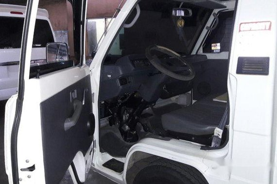 Sell White 2016 Mitsubishi L300 Manual Diesel at 56000 km