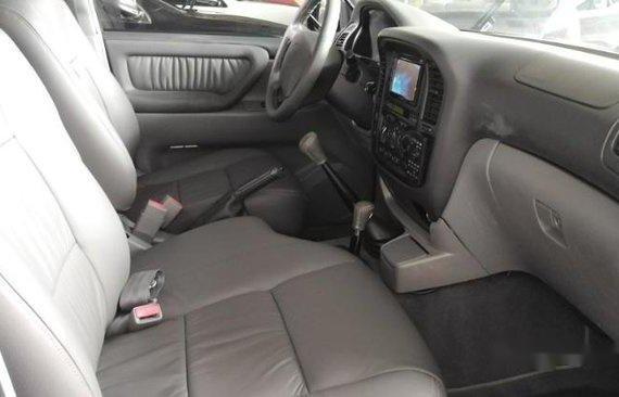 Sell Black 2000 Toyota Land Cruiser at 93000 km