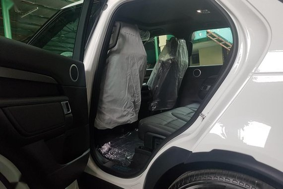 Sell 2019 Land Rover Discovery in Quezon City