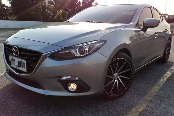 Top of the Line Super Fresh Sporty 2016 Mazda 3 SkyActiv 2.0 AT