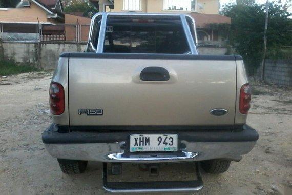 Grayblack Ford Triton 2004 for sale in Automatic