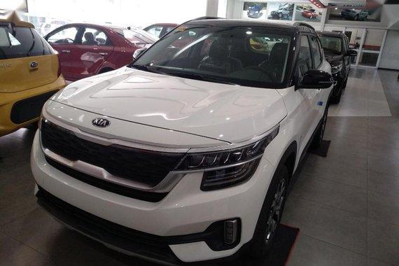 Selling White Kia Seltos 2020 in Manila
