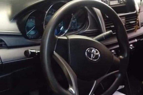 Sell White 2014 Toyota Vios in Rosario