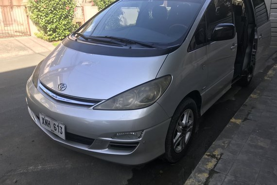 Toyota Previa Model 2004 Plate XNH-613