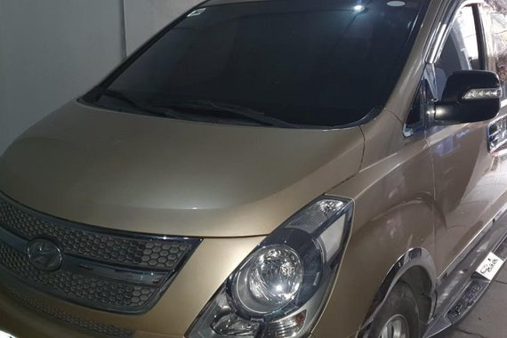 Sell 2010 Hyundai Starex in Pasig