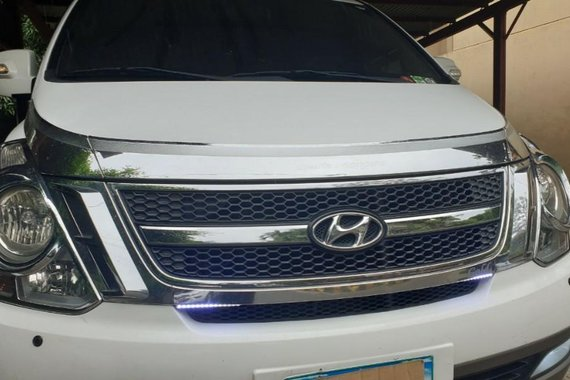 White Hyundai Starex 2013 for sale in Pasig