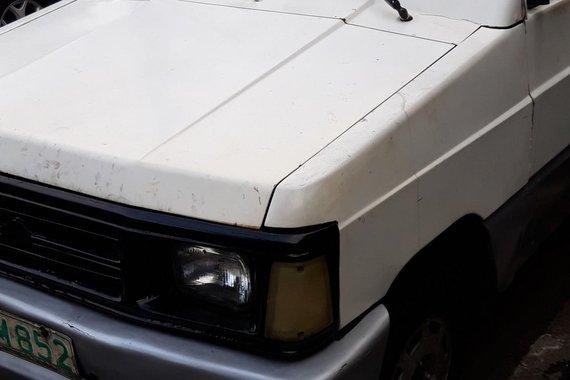 1996 Mazda B2500