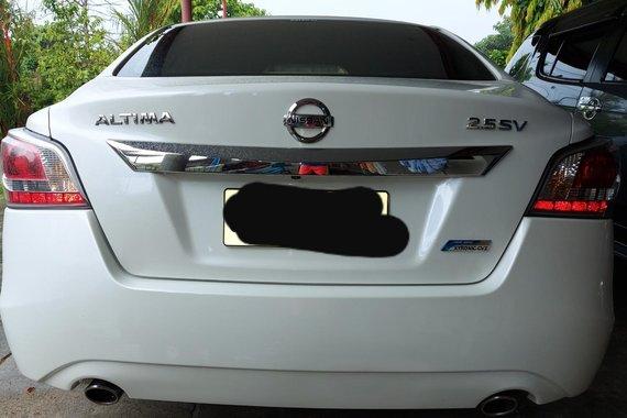 Nissan Altima 2.5 SV Automatic CVT 2015 model