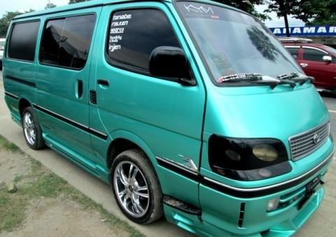 1998 Toyota Hiace Commuter