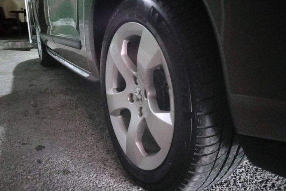 Sell Grey Peugeot 3008 in San Pedro