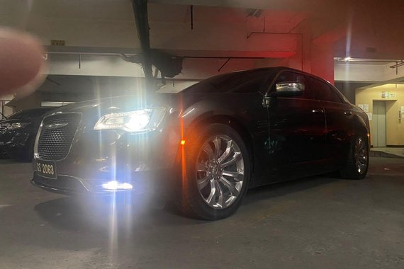 Black Chrysler 300c for sale in Manila