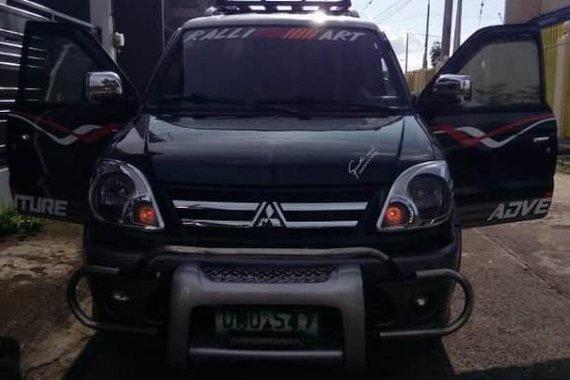 Selling Black Mitsubishi Outlander in Lucena