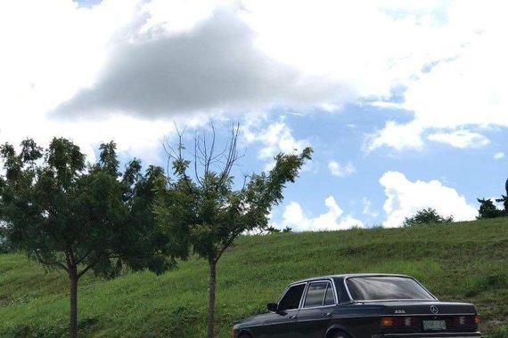 Sell Black Mercedes-Benz 200 in Manila