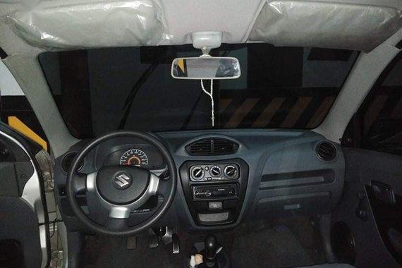 White Suzuki Alto for sale in Las Piñas