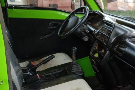 Selling Green Suzuki Every in San Carlos